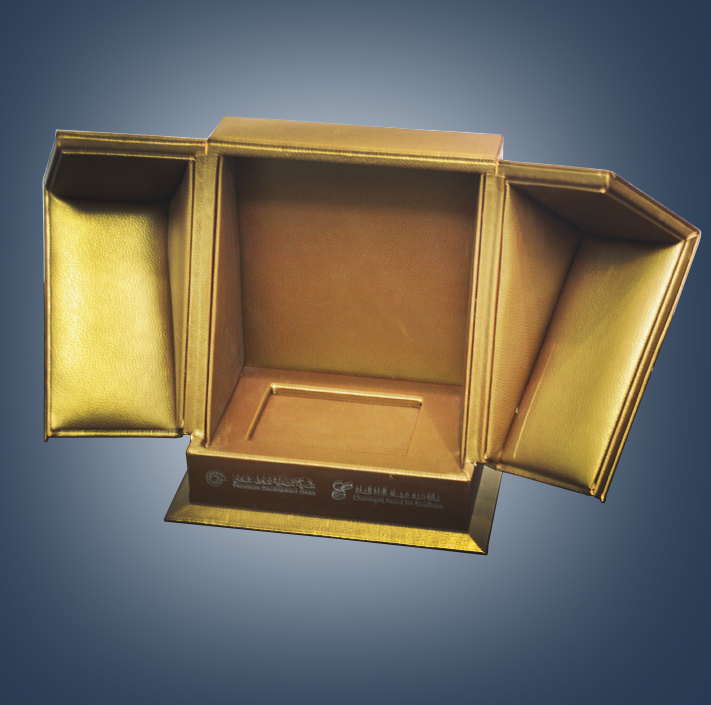 GOLDEN DOUBLE DOOR LEATHER BOX