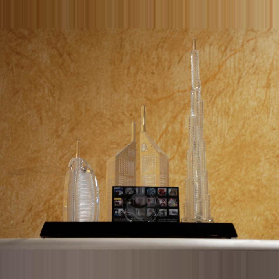 crystal dubai skyline with card stand
